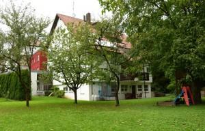 Foto Gästehaus mit idyllischem Garten